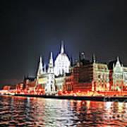 Parliament And The Danube Art Print
