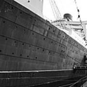 Portside Bw Queen Mary Ocean Liner Long Beach Ca Art Print