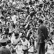 President Nixon Speaking To 2 000 Art Print