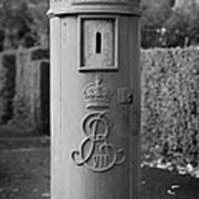 red old historic post pillar box manufactured by Handyside of Derby and London with Edward the seventh crown E Rex and VII symbols Art Print