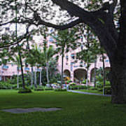 Royal Hawaiian Hotel Entrance Art Print