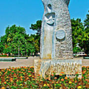 Sculpture And Flowers In Antalya Park Along Mediterranean Coast-turkey  Art Print