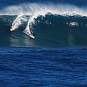 Sharing A Wave In Waimea Bay Art Print