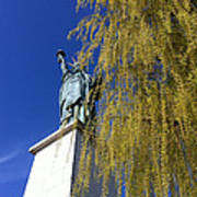 statue of liberty in Paris Art Print