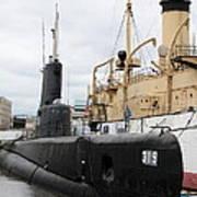 Submarine 319 On Delaware River  Art Print