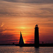 Sun Set At The Muskegon Lighthouse Art Print