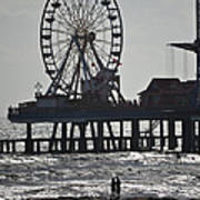 Surfer And Lovers At Pleasure Pier Art Print