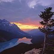 1m3607-sunset Over Peyto Lake Art Print