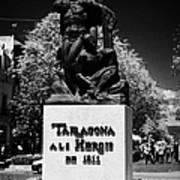 Tarragona Als Herois De 1811 Sculpture On Rambla Nova Avenue In Central Tarragona Catalonia Spain Art Print