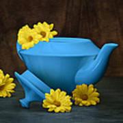 Tea Kettle With Daisies Still Life Art Print by Tom Mc Nemar