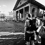 tourists watching street performers in covent garden London England UK Art Print