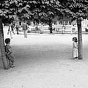 Two Kids In Paris Art Print