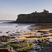 Tynemouth Priory And Castle Across King Edwards Bay Art Print