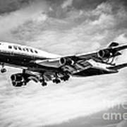 United Airlines Airplane In Black And White Art Print by Paul Velgos