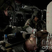U.s. Army Medics Simulating Ventilation Art Print