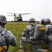 U.s. Army Paratroopers Prepare To Board Art Print