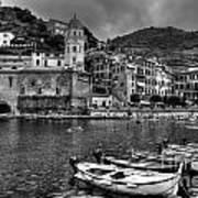 Vernazza - Cinque Terre In Grey Art Print