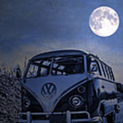 Vintage Vw Bus Parked At The Beach Under The Moonlight Art Print