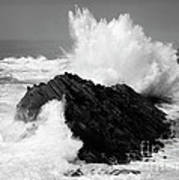 Wave At Shore Acres Bw Art Print