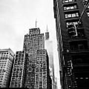 Willis Tower In The Clouds - Black And White Art Print