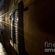 Window In An Alley With Sunlight Art Print