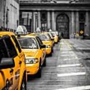 Yellow Cabs Waiting - Grand Central Terminal - Bw O Art Print