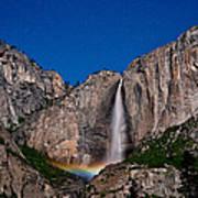 Yosemite Falls Moonbow Art Print