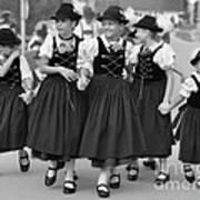 Bavarian Girls Art Print