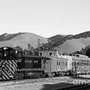 Historic Niles Trains In California . Southern Pacific Locomotive And Sante Fe Caboose.7d10819.bw Art Print