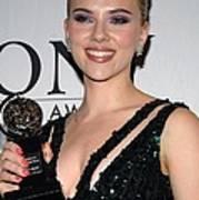 Scarlett Johansson In The Press Room Art Print