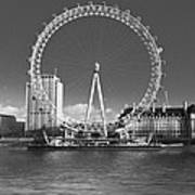 London Skyline Edf Eye Bw Art Print