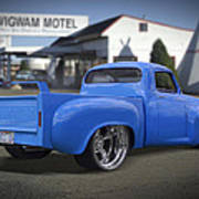 56 Studebaker At The Wigwam Motel Art Print by Mike McGlothlen