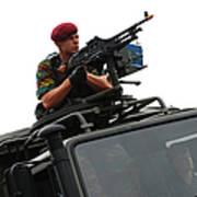 A Belgian Paratrooper Manning A Fn Mag Art Print