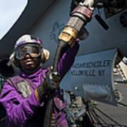 Airman Fuels An Fa-18c Hornet Art Print