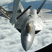 An F-22a Raptor Refuels With A Kc-135 Art Print