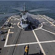 An Sh-60b Sea Hawk Lands On The Flight Art Print
