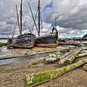 Boats And Logs At Pin Mill Art Print