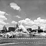 Buckingham Fountain In Chicago Art Print