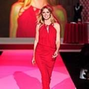 Heidi Klum Wearing A John Galliano Gown Art Print