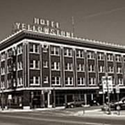 Hotel Yellowstone Art Print