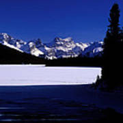 Jasper - Maligne Lake In Winter Art Print