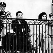 John F. Kennedy Jr. Gets A Closer Look Print by Everett