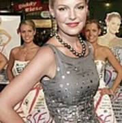 Katherine Heigl Wearing A Bill Blass Art Print by Everett