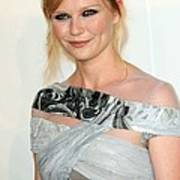 Kirsten Dunst At Arrivals For The 2009 Art Print by Everett