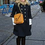 Kristen Bell Out And About For Sun Art Print