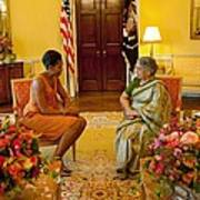 Michelle Obama Meets With Mrs Art Print by Everett