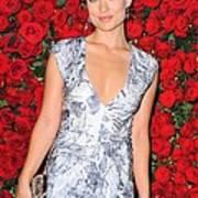 Olivia Wilde Wearing A Narciso Art Print