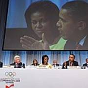 President And Michelle Obama Answer Print by Everett