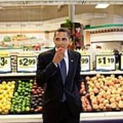 President Barack Obama Eats A Peach Art Print