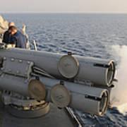 Seamen Fire An Air Slug From A Mk-32 Art Print